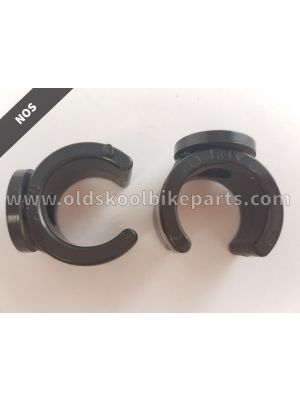 Raceplate clamps Pair black