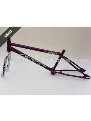 Hyper metro frame and fork